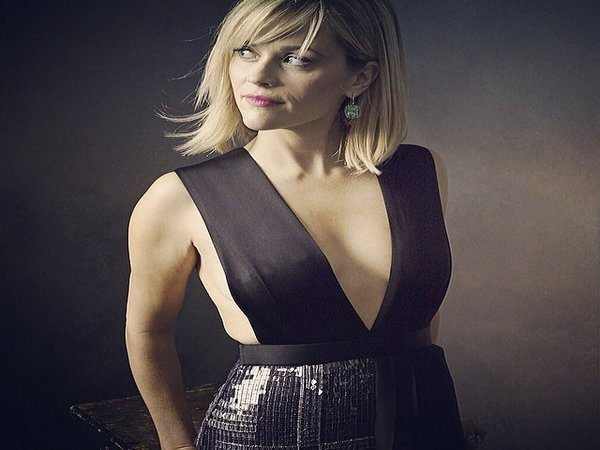 Reese Witherspoon Messy Shoulder Length Blond Hair