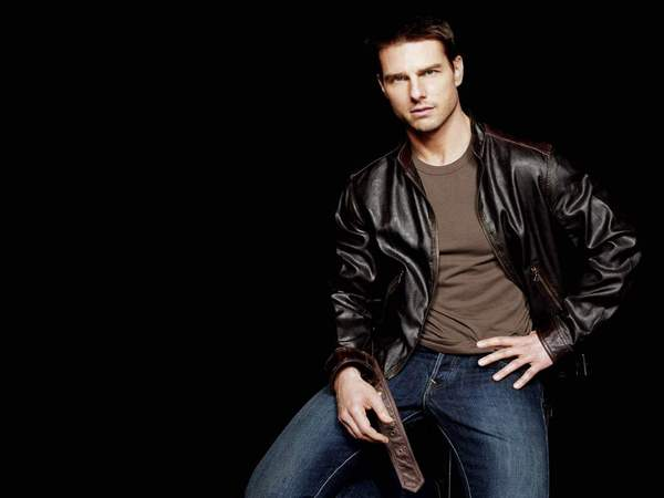 Tom Cruise Brunette Short Hair with Blond Highlights