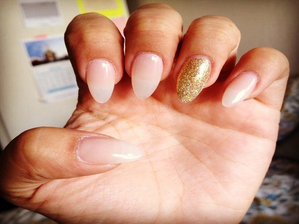Nude Nails with Single Glitter Nail