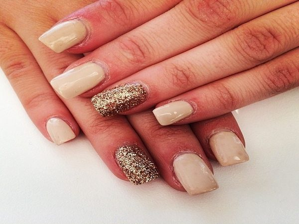 Nude Nails with Two Glitter Nails