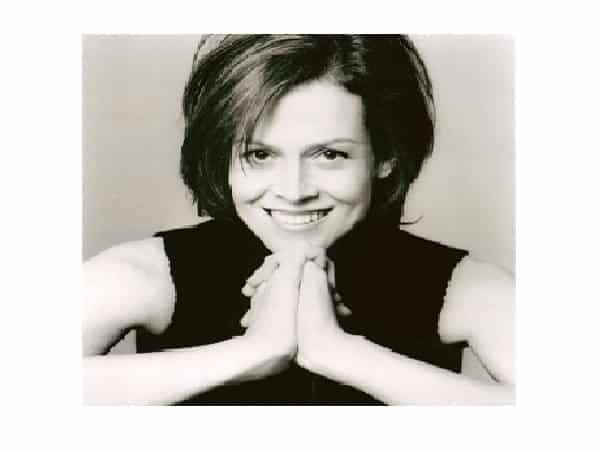 Sigourney Weaver Short Brunette Straight Hair