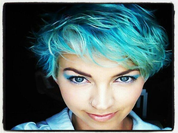 Pastel Green Messy Bob Hairstyle