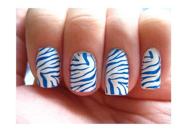 White and Light Blue Tiger Stripe Nails