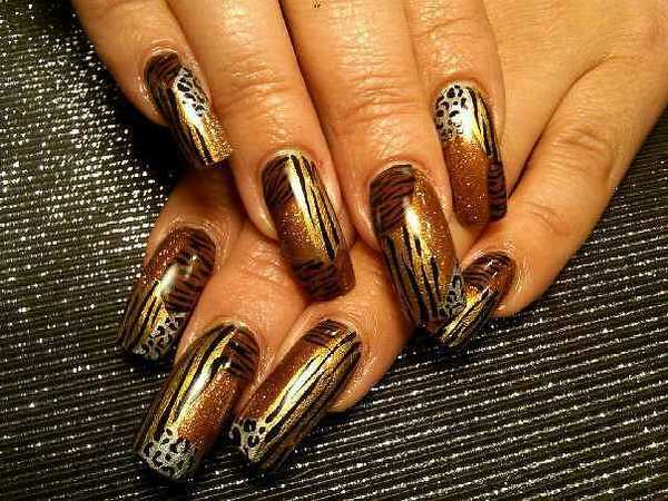 Gold and Brown Tiger Stripe and Leopard Spot Nails