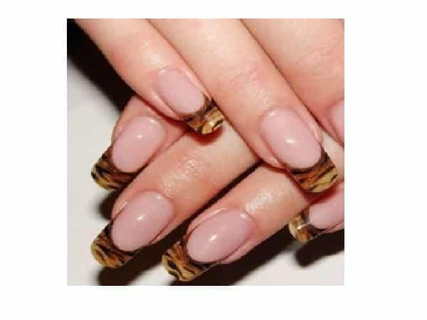 Tiger Striped French Manicured Nail Tips