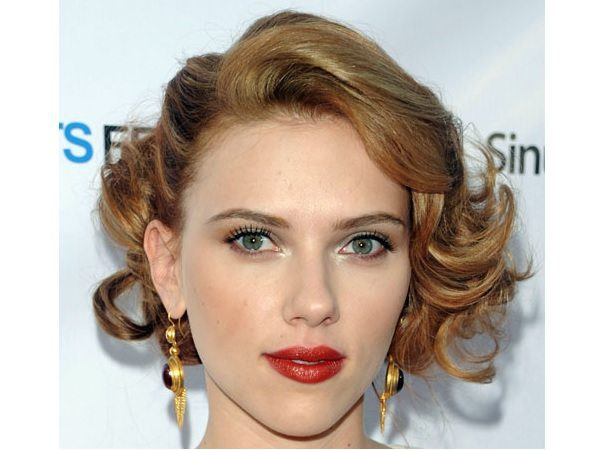 Scarlett Johansson Light Brown Curly Short Hair
