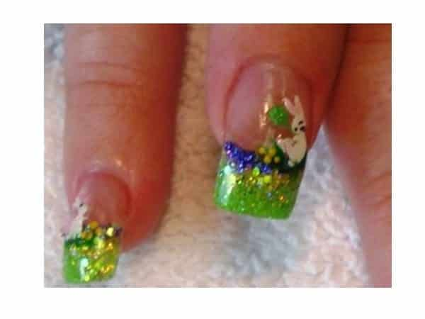 Plain Nails with Green Tips and White Rabbits