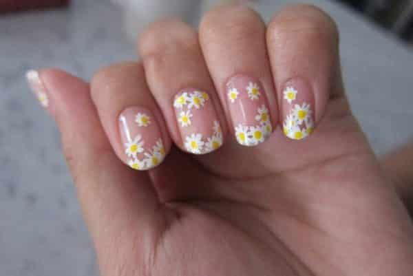 Darling Little Daisy Nail Art Designs