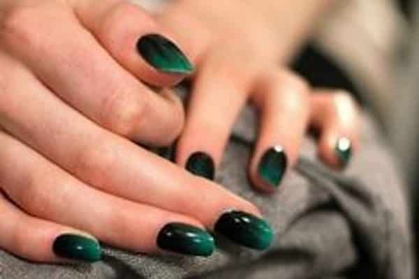 13 gorgeous emerald green nail art designs emerald green nail art prinsesfo Choice Image
