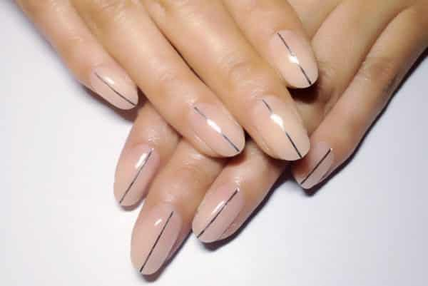 15 chic and modern minimalist nail art design ideas minimalist nail art prinsesfo Choice Image