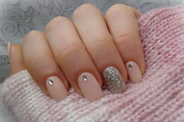 15 easy nail art designs anyone can try easy nail art image source prinsesfo Image collections