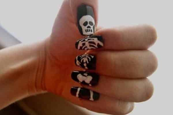 skeleton nail art designs - 13 Spooky Skeleton Nail Art Designs For Halloween