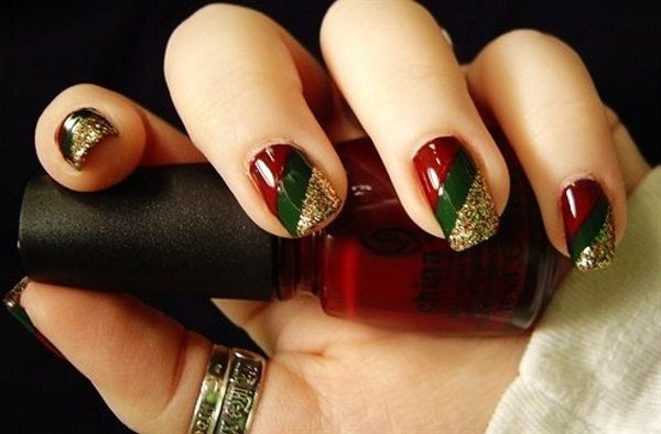 14 Low Key Maroon Christmas Nail Art Designs