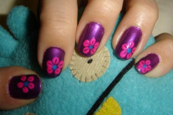 flowery spring nail art