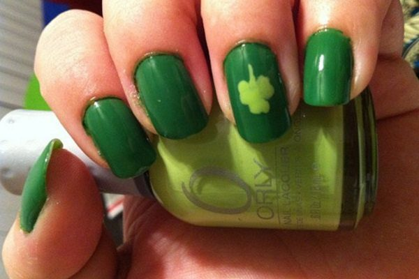6107772d4 14 St. Patrick's Day Nail Art Designs With Shamrocks