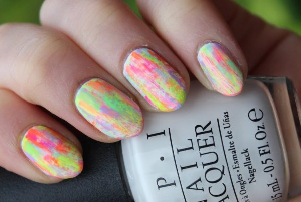 15 Awesome Dry Brush Nail Art Examples