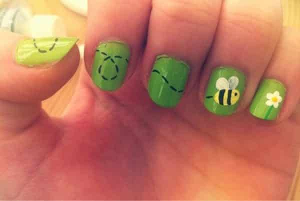 15 Buzzin Summer Bee Nail Art Designs