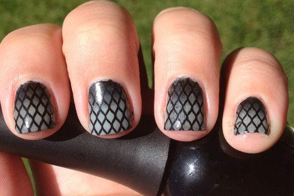 14 Sexy and Sultry Fishnet Nail Art Designs