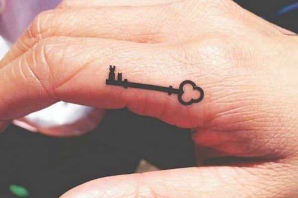 19 Intriguing Key Tattoo Design Ideas