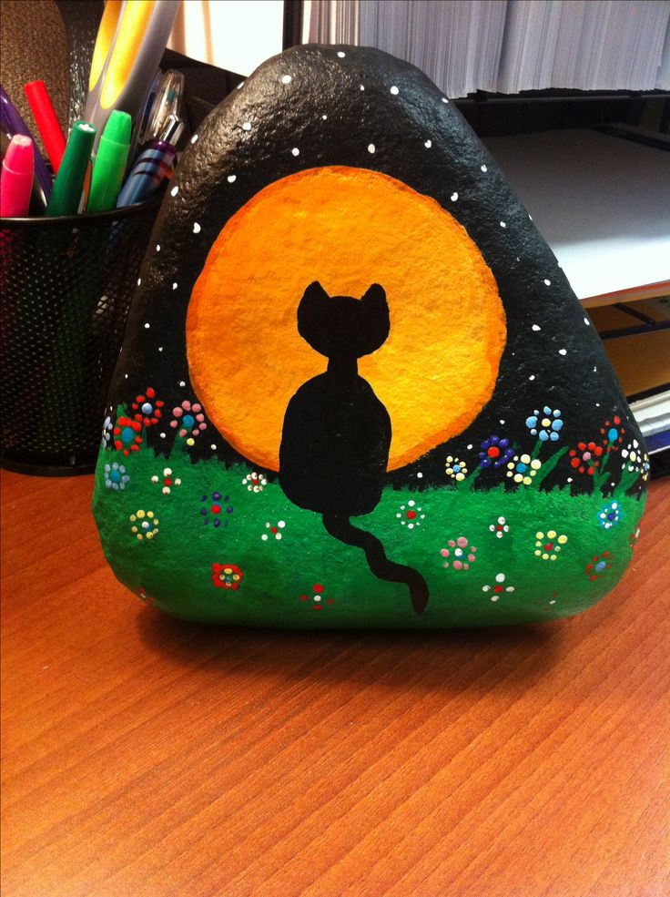 cat-and-moon-rock-design