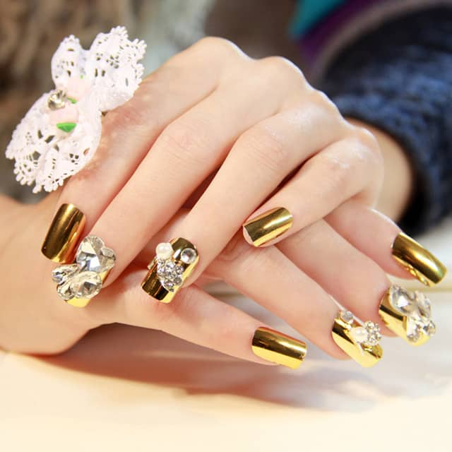 golden-square-nails